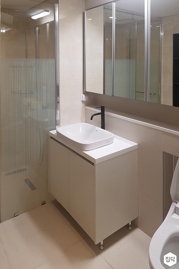 아이보리,모던,욕실,포세린,수납장,세면대,거울