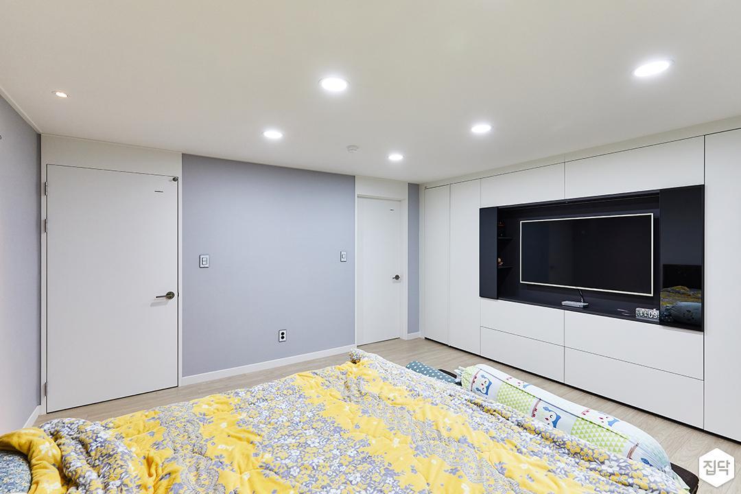 화이트,모던,안방,매립등,수납장,붙박이장,TV선반,침대