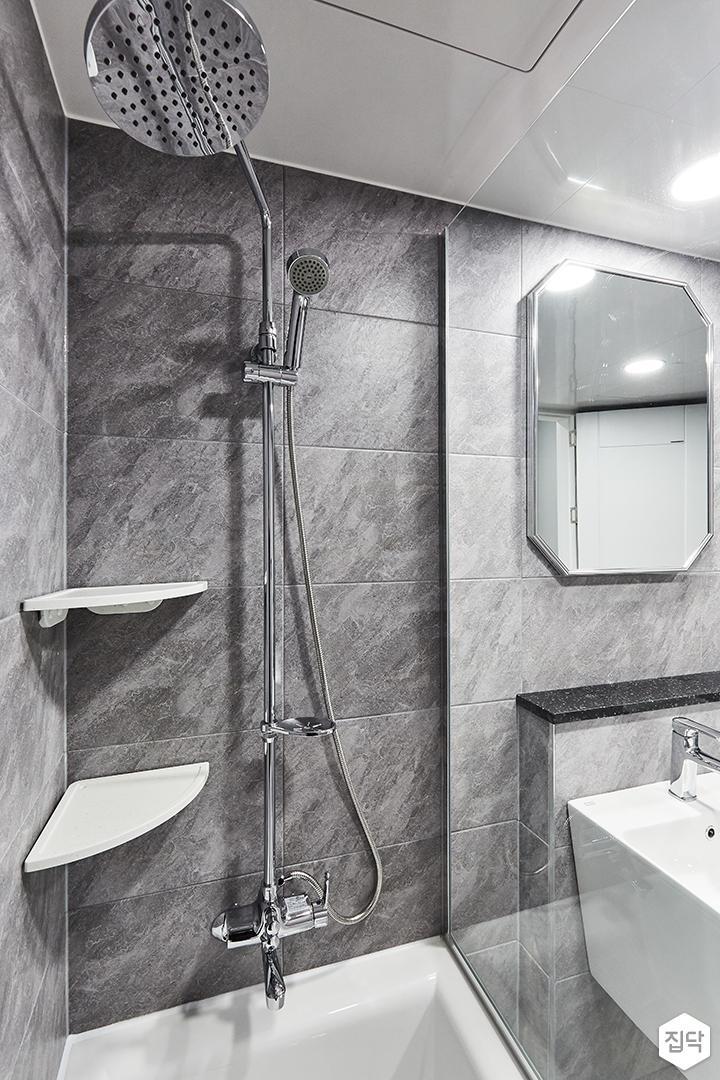 그레이,블랙,모던,욕실,포세린,매립등,비앙코카라라,수납장,파티션,세면대,욕조,샤워기