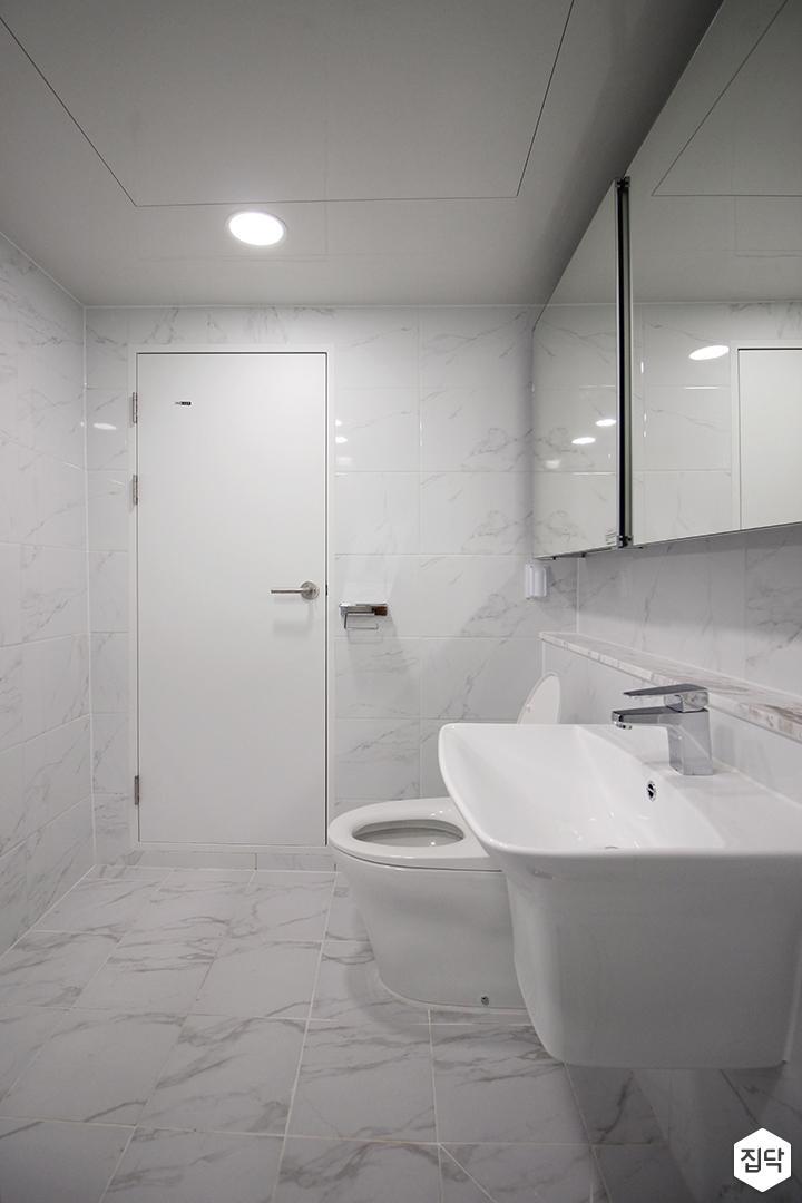 화이트,모던,욕실,포세린,비앙코카라라,수납장,세면대,거울