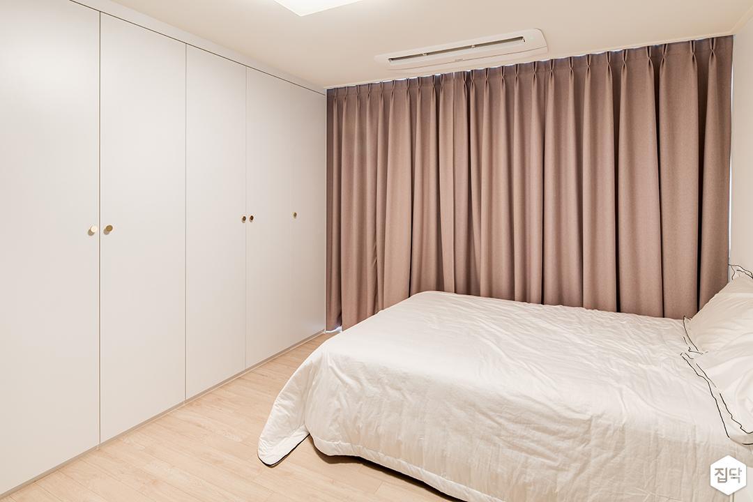 화이트,핑크,방,침대,커튼