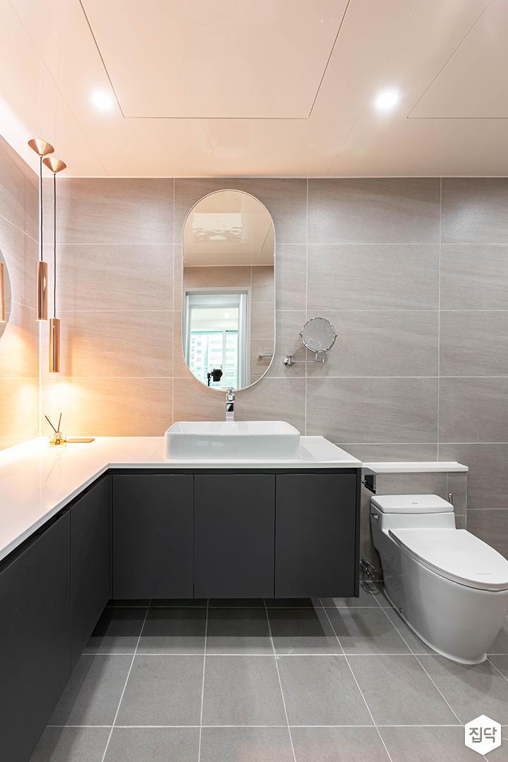 그레이,모던,욕실,포세린,다운라이트조명,브라켓조명,세면대,거울