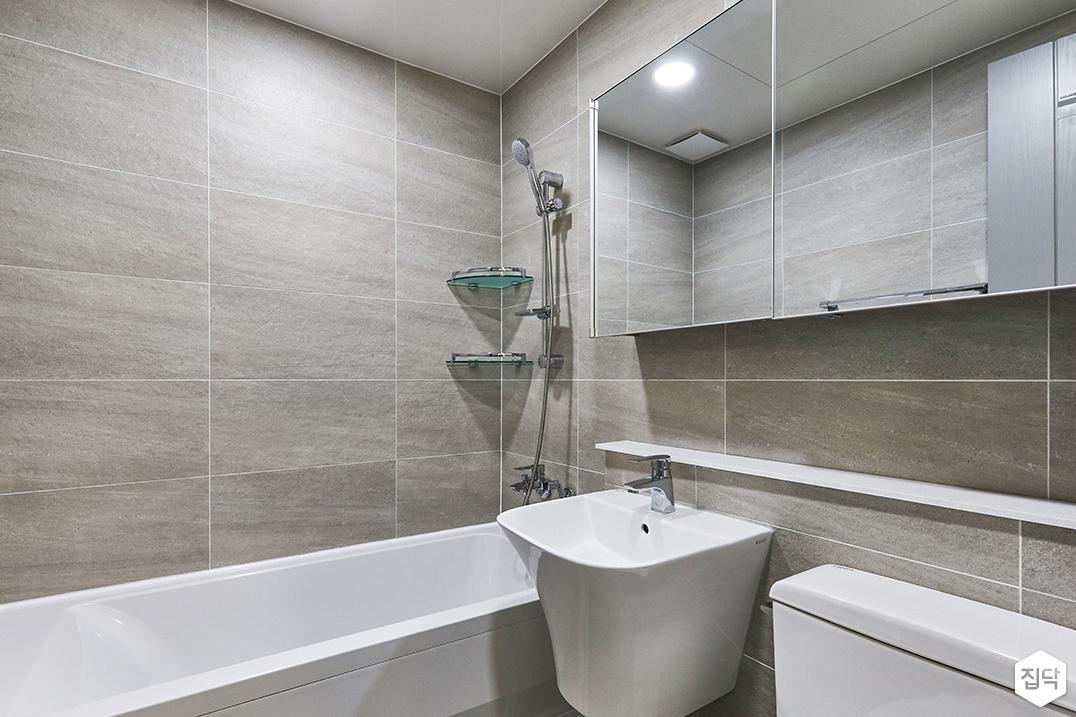 화이트,브라운,모던,욕실,포세린,매립등,수납장,세면대,욕조,코너선반,거울
