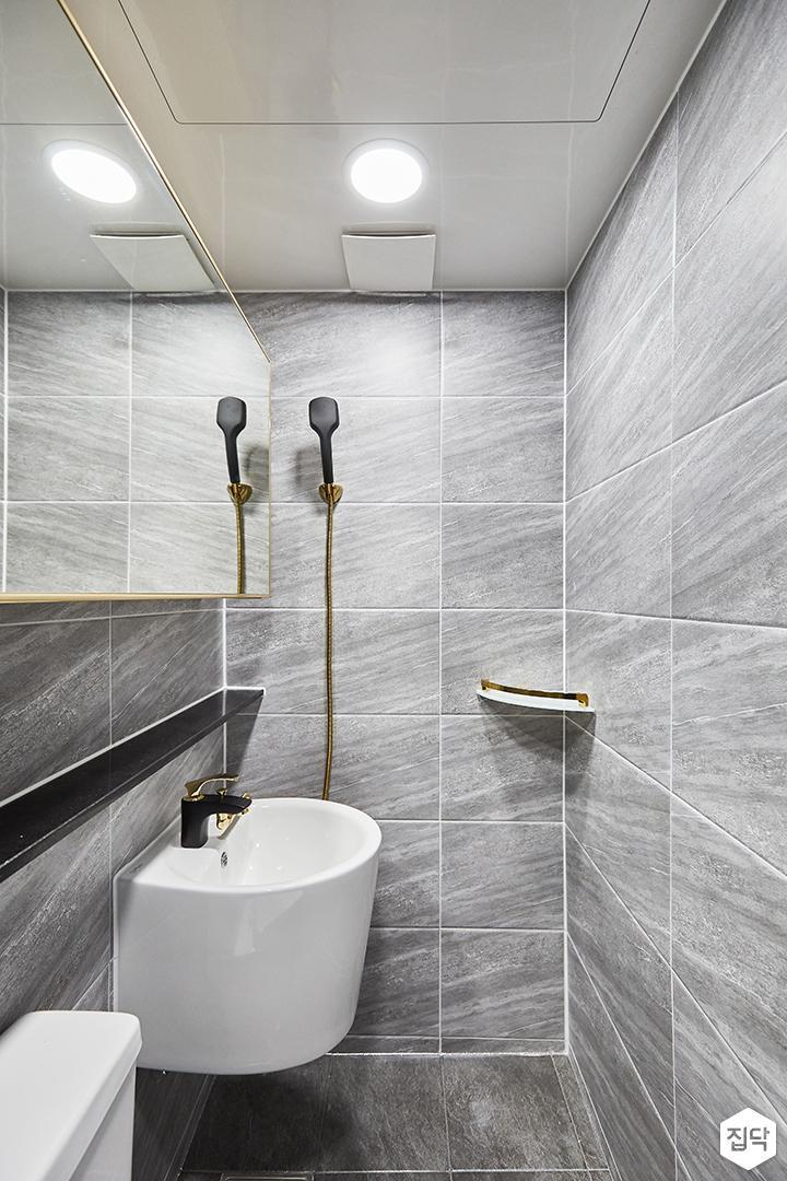 화이트,그레이,모던,심플,욕실,포세린,수납장,세면대,샤워기,거울