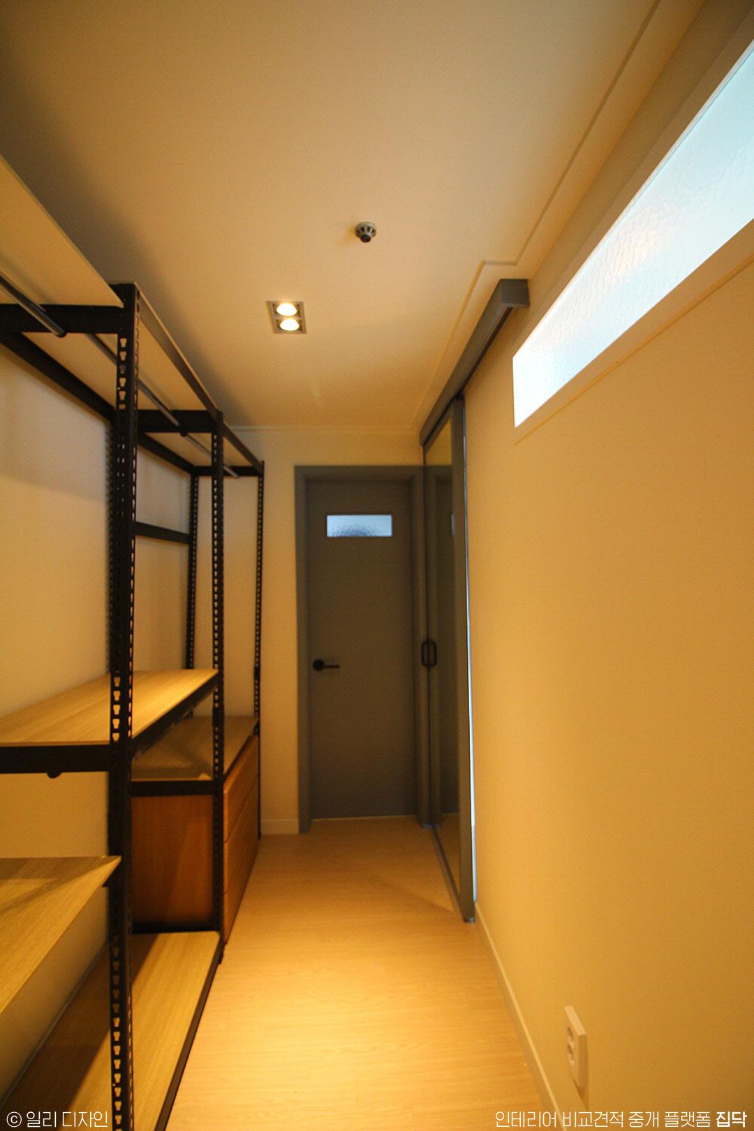 드레스룸,가벽,슬라이딩도어,인더스트리얼