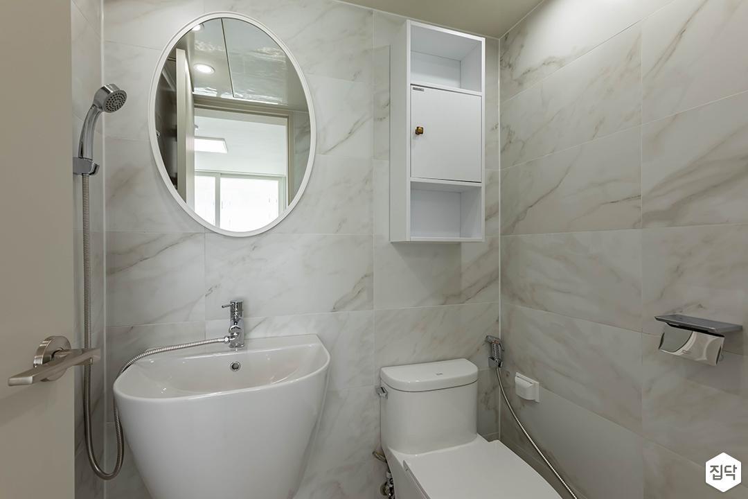 화이트,내추럴,욕실,대리석,포세린,비앙코카라라,수납장,세면대,거울