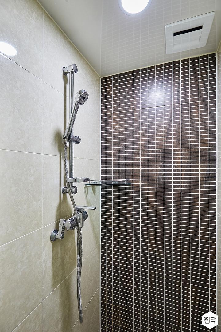 그레이,모던,심플,욕실,모자이크타일,원형직부등,샤워기