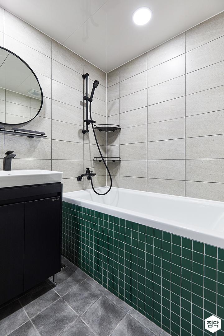 화이트,그린,모던,뉴클래식,욕실,대리석,포세린,욕실타일,매립등,체크,세면대,욕조,거울,샤워기