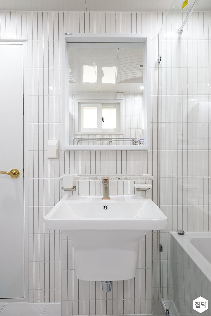 화이트,내추럴,뉴클래식,욕실,폴리싱,욕실타일,거울,세면대