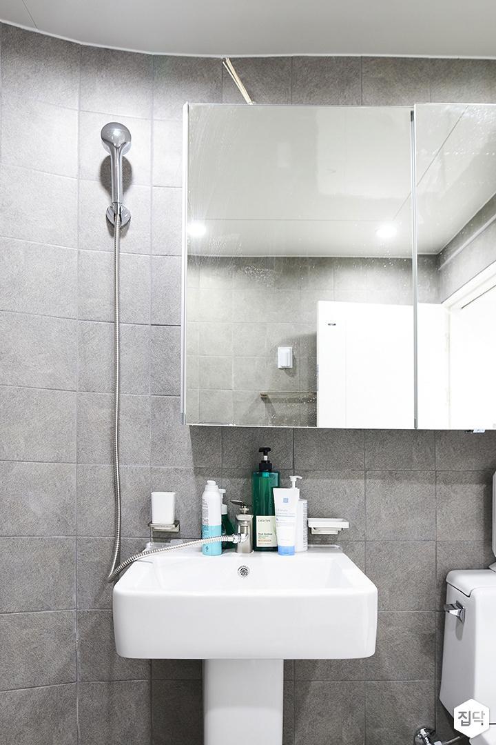 그레이,미니멀,심플,욕실,포세린,매립등,수납장,세면대,거울,샤워기
