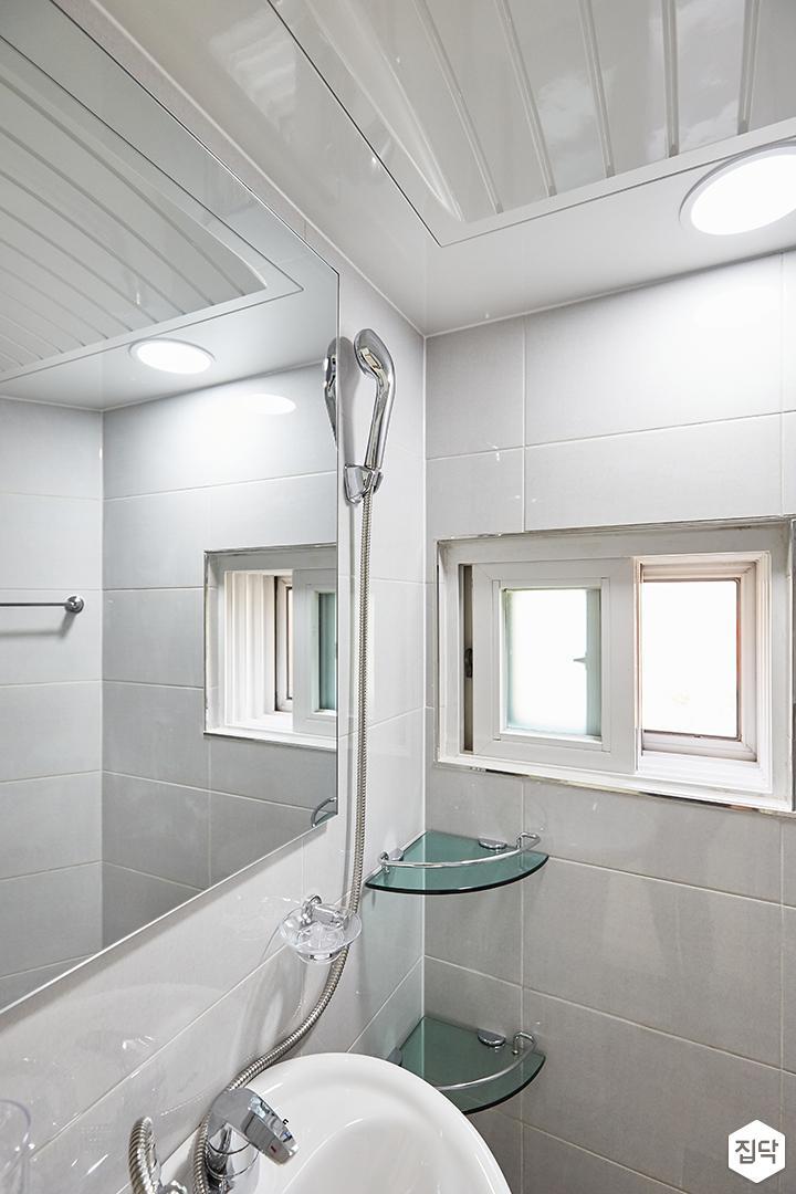화이트,그레이,모던,심플,욕실,원형직부등,세면대,샤워기,거울