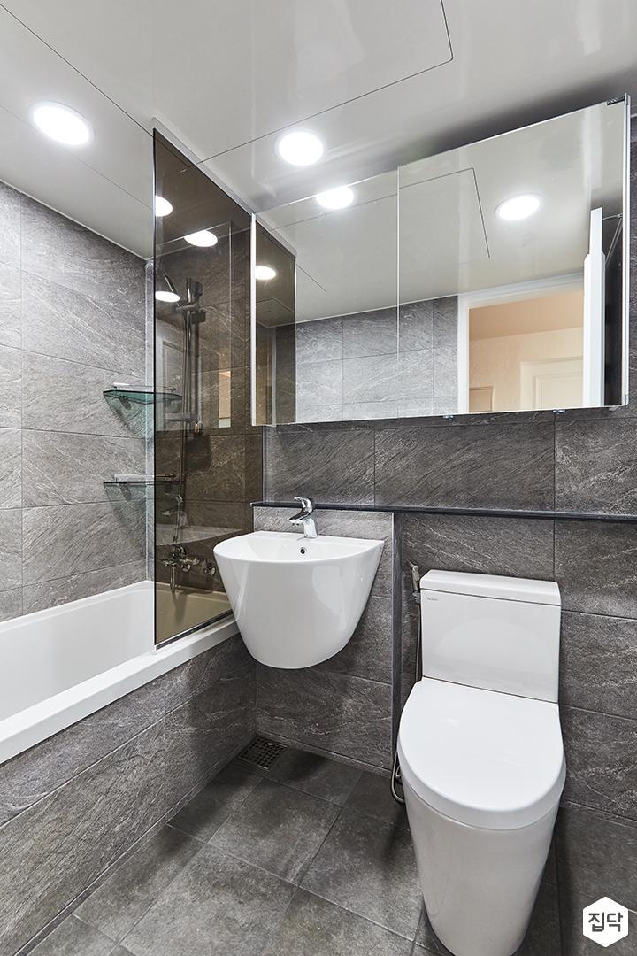 그레이,모던,빈티지,욕실,포세린,욕실타일,수납장,유리파티션,세면대,욕조,거울