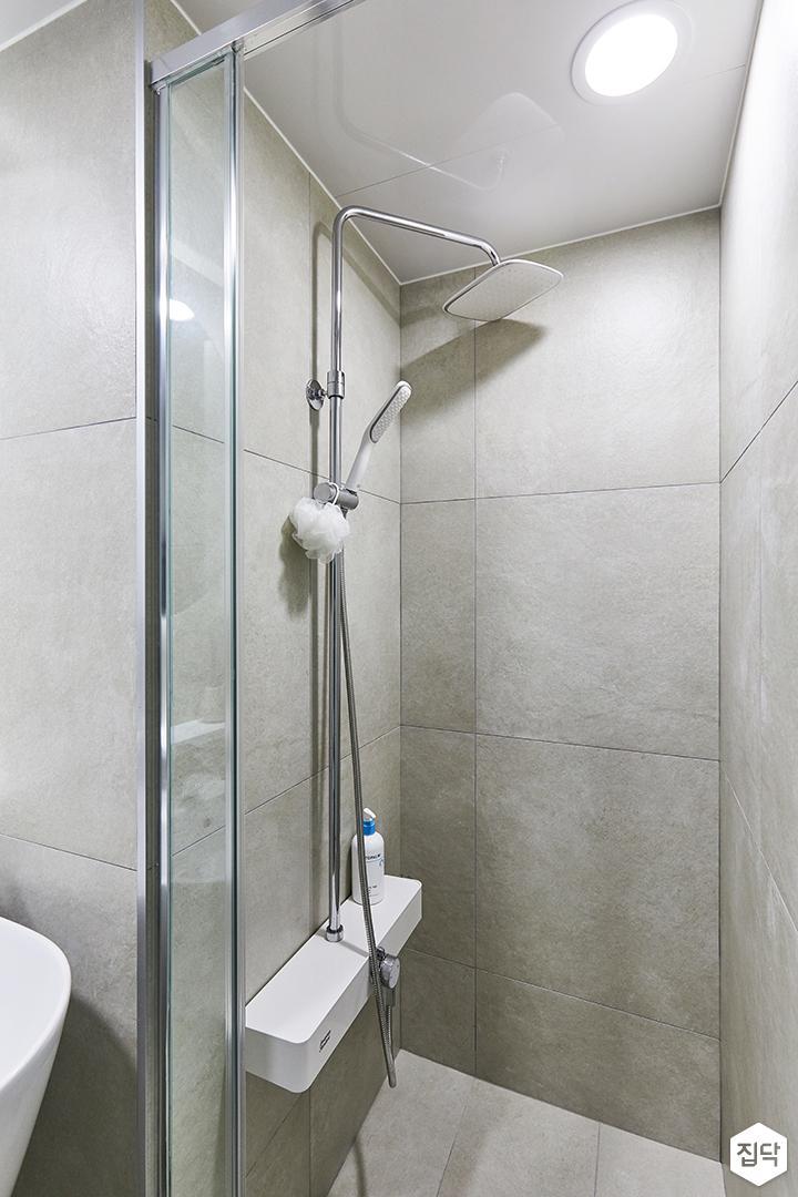 화이트,아이보리,모던,내추럴,뉴클래식,욕실,포세린,매립등,유리파티션,샤워기