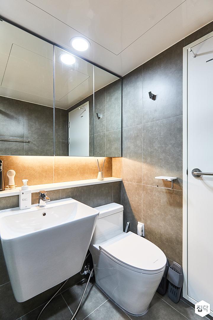 화이트,그레이,모던,내추럴,욕실,포세린,간접조명,수납장,유리파티션,세면대,거울