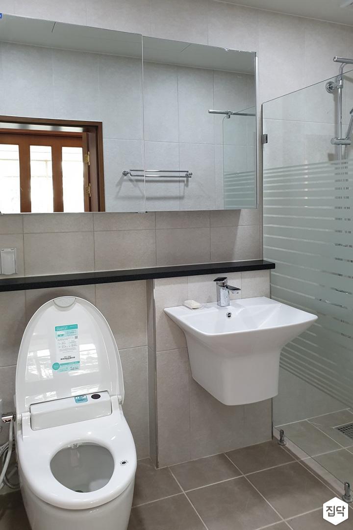 화이트,모던,욕실,유리파티션,세면대,거울