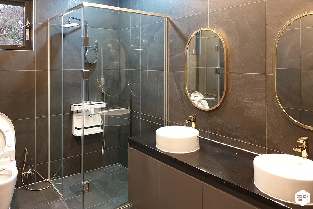 그레이,모던,럭셔리,욕실,포세린,유리파티션,세면대,샤워기,거울