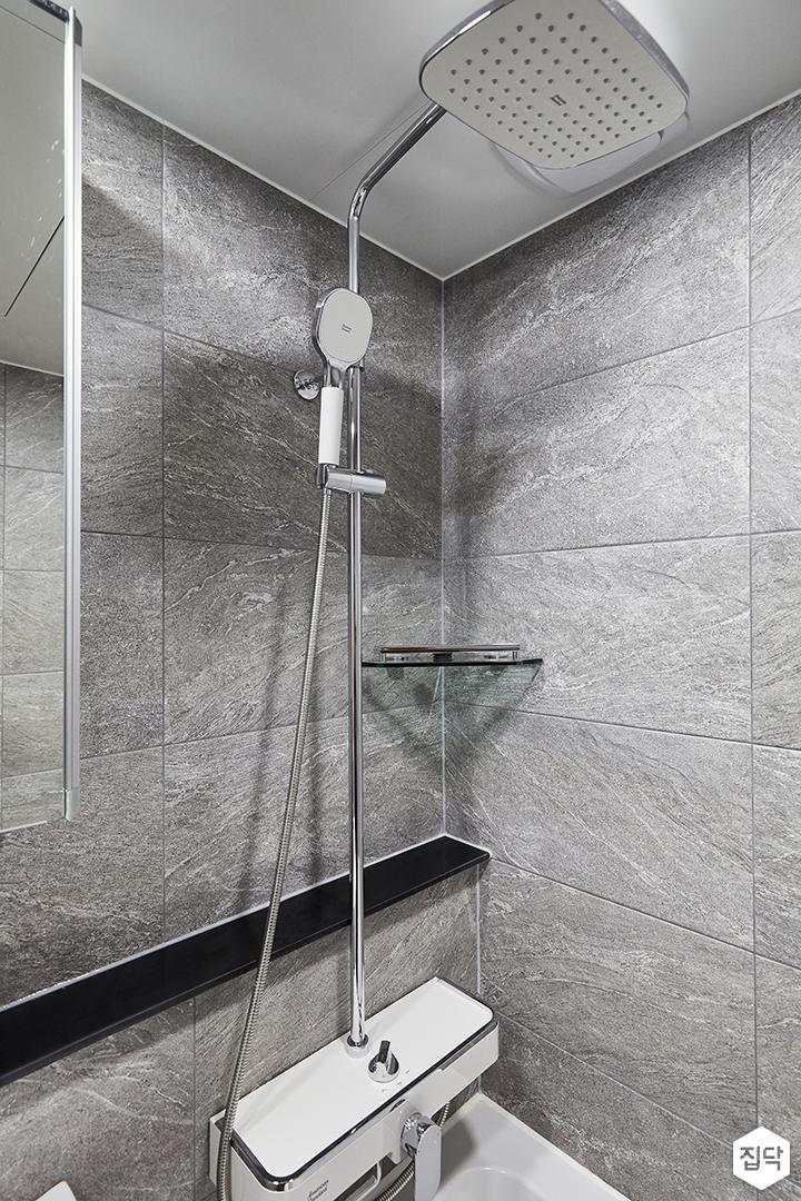그레이,모던,심플,욕실,포세린,욕실타일,욕조,샤워기,거울,코너선반