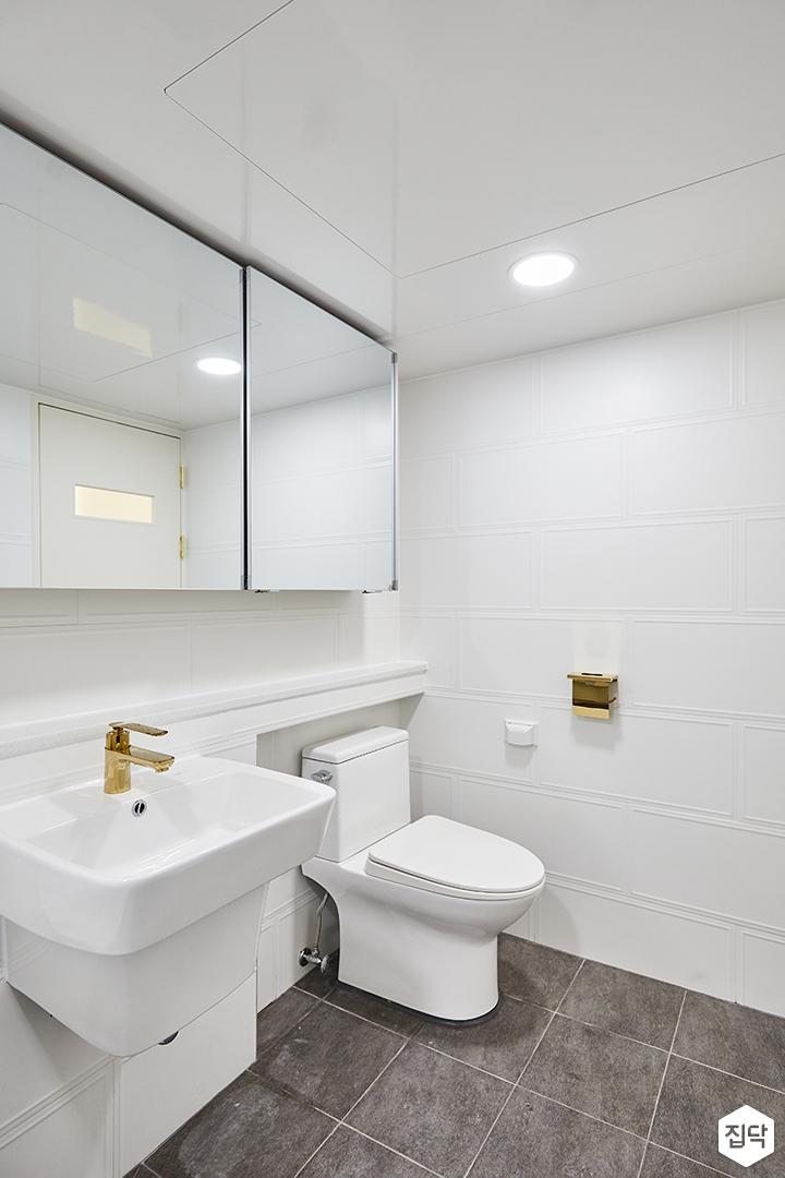 화이트,골드,모던,심플,욕실,웨인스코팅,욕실타일,원형직부등,수납장,세면대,거울