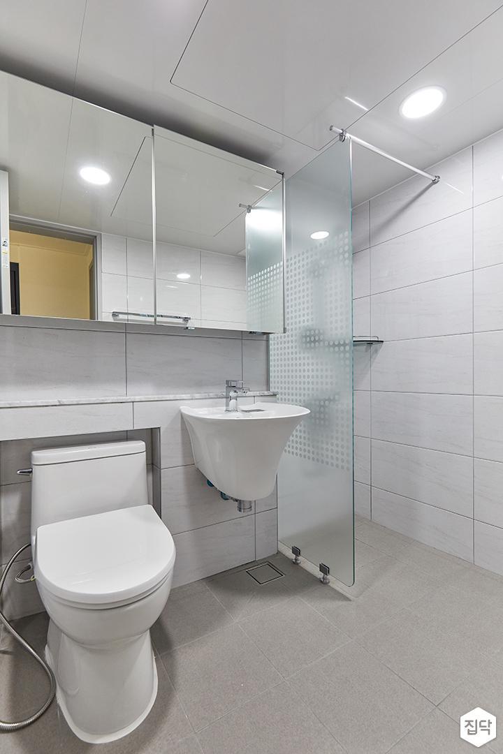 화이트,심플,욕실,포세린,매립등,수납장,세면대,거울,유리파티션