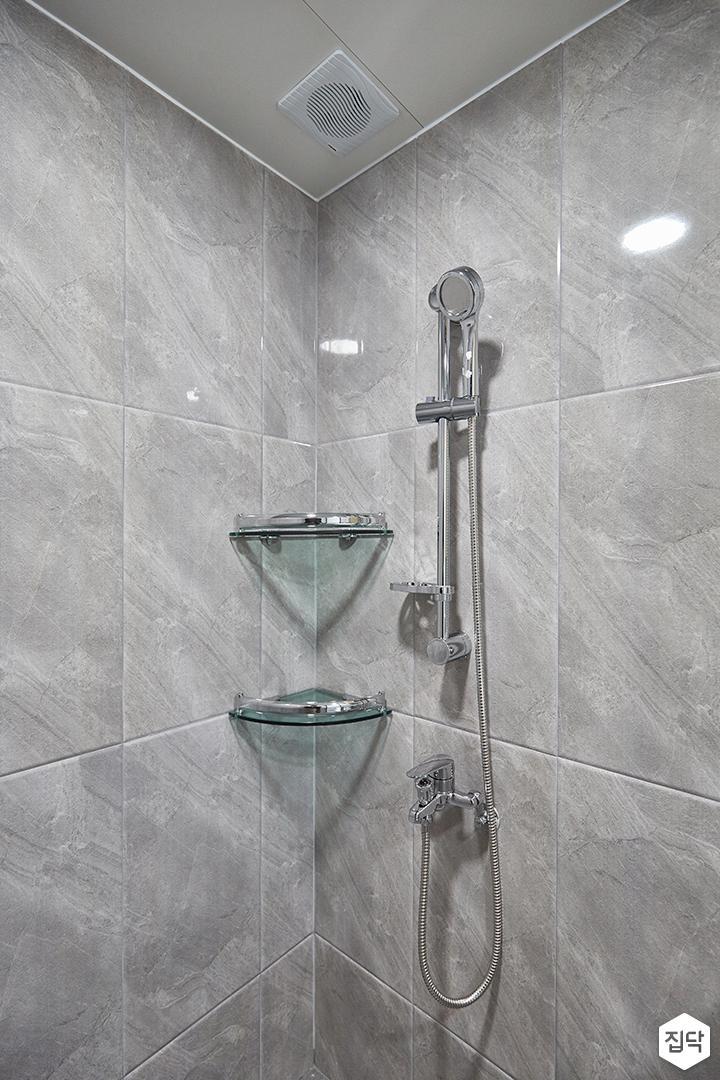 화이트,그레이,모던,심플,욕실,폴리싱,코너선반,샤워기,거울