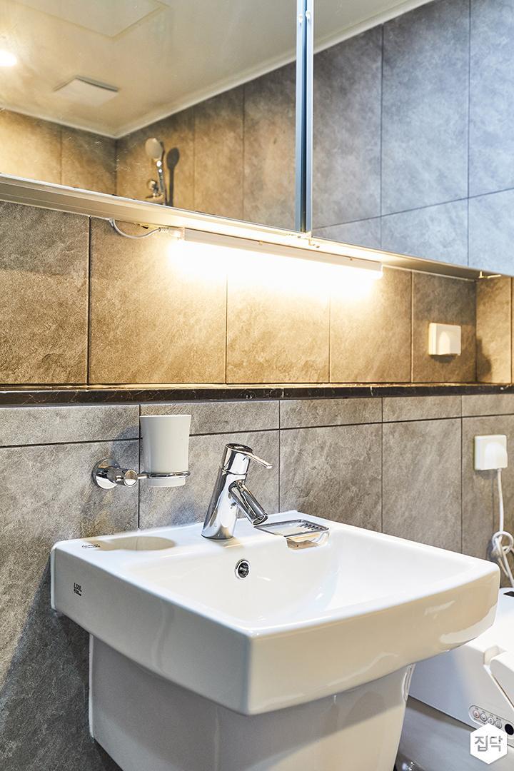 그레이,모던,빈티지,욕실,포세린,간접조명,세면대,수납장,거울