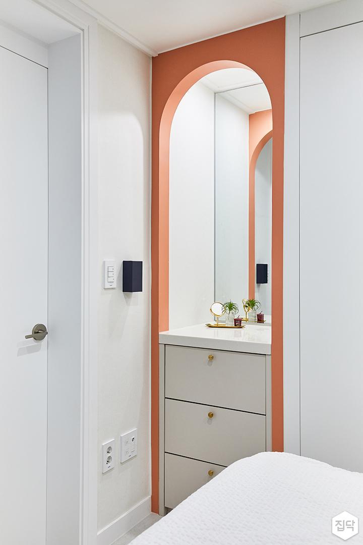 화이트,핑크,내추럴,뉴클래식,안방,수납장,빌트인화장대