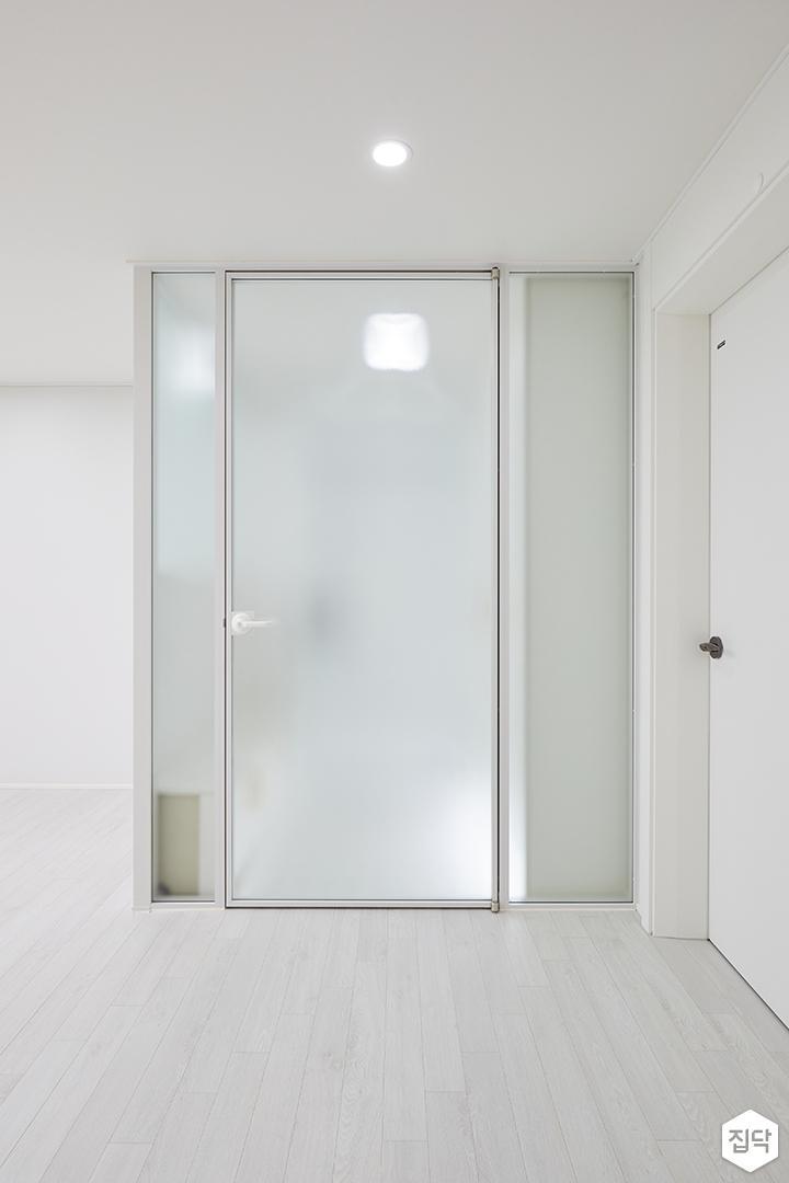 화이트,모던,심플,현관,중문,여닫이문