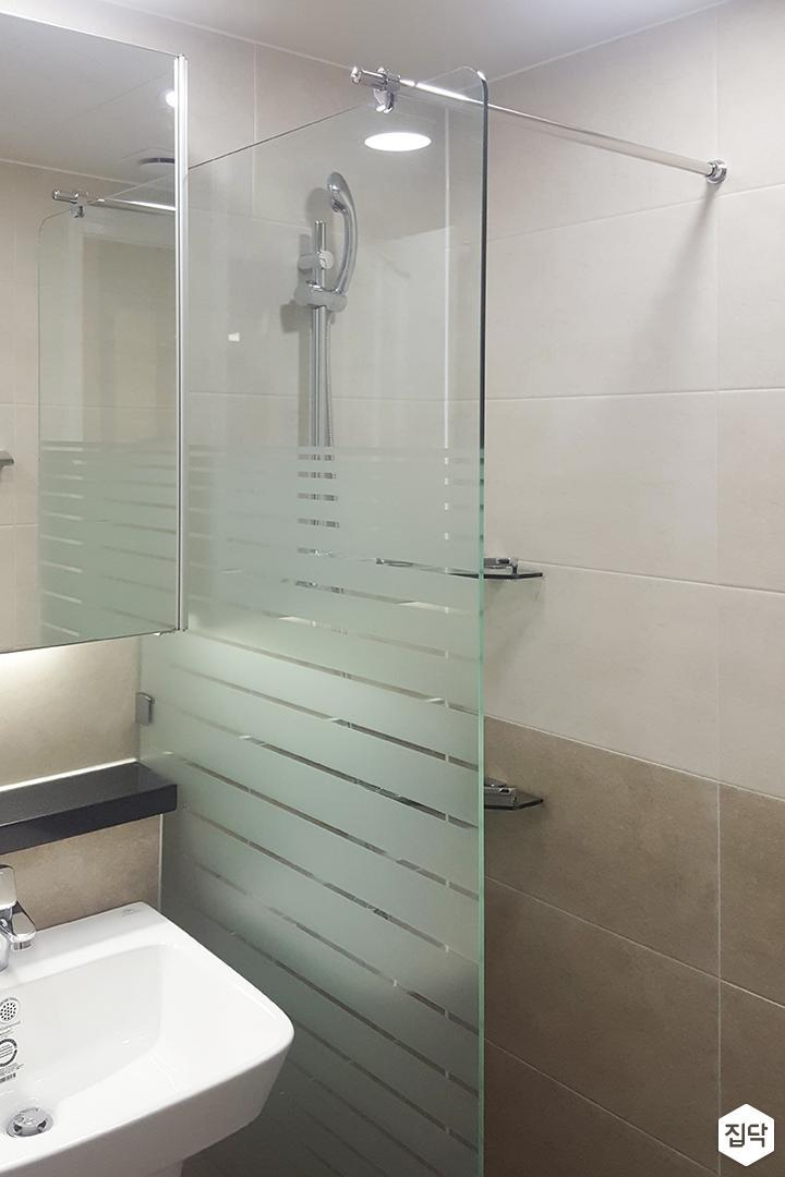 욕실,샤워기,유리파티션