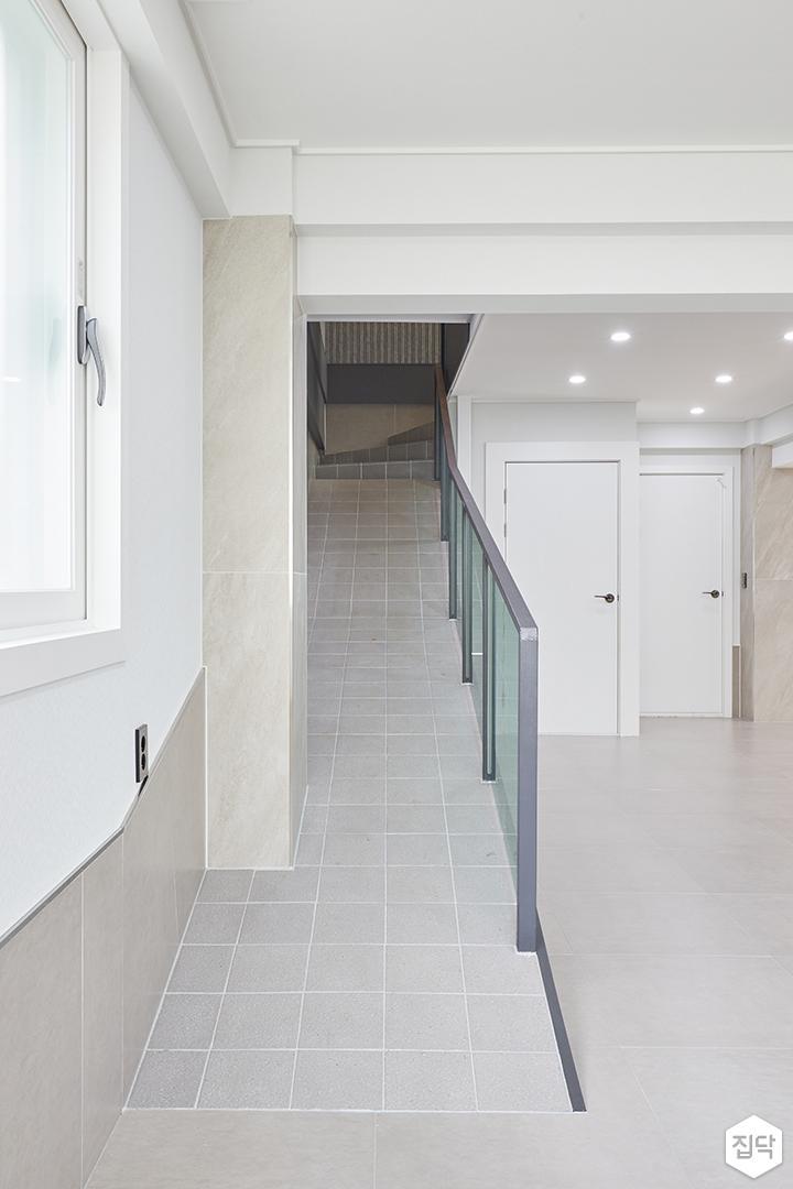 그레이,모던,심플,거실,포세린,계단,매립등,다운라이트조명