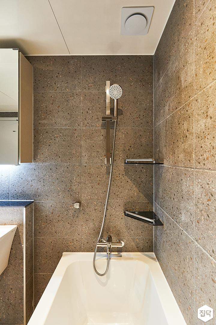 화이트,그레이,빈티지,뉴클래식,욕실,포세린,욕조,샤워기,코너선반