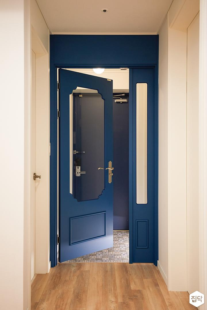 화이트,블루,모던,뉴클래식,현관,중문,여닫이문