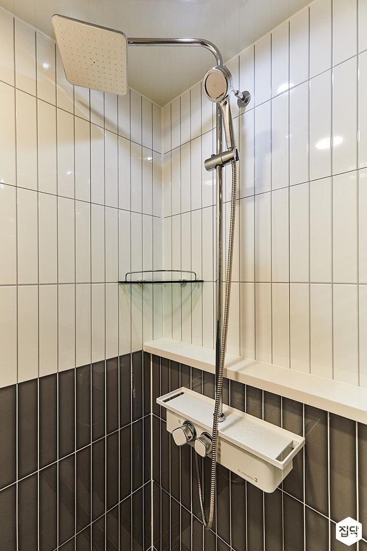 화이트,그레이,미니멀,심플,욕실,욕실타일,샤워기