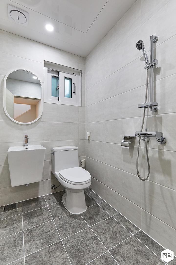 화이트,그레이,미니멀,심플,욕실,거울,샤워기,세면대