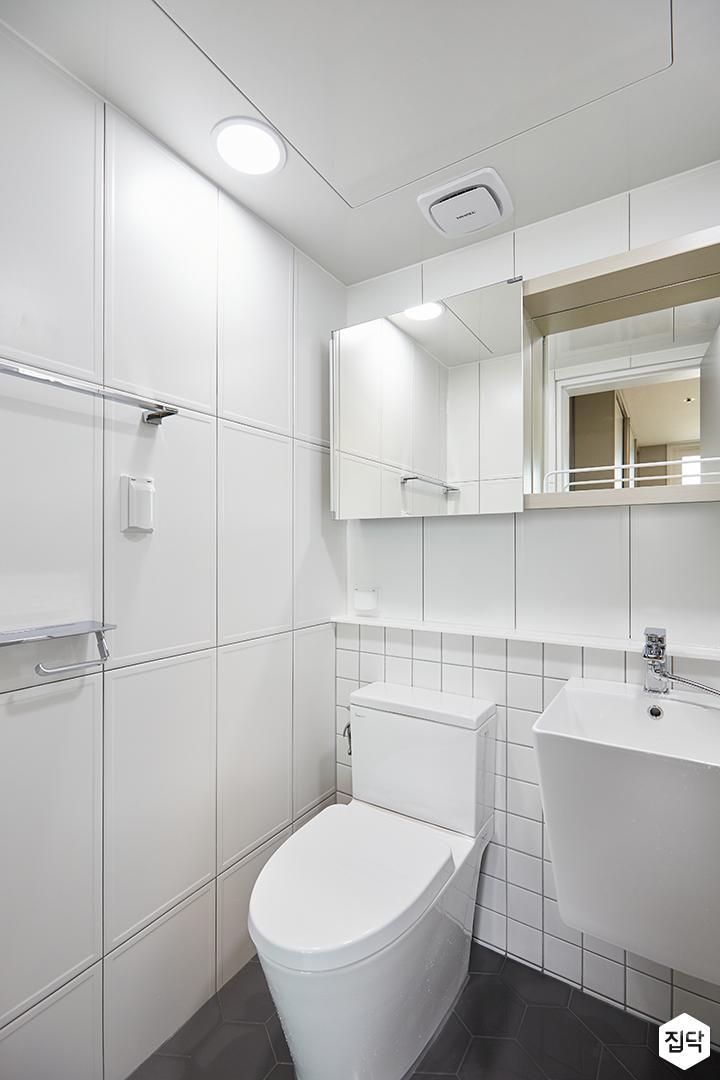 화이트,모던,심플,욕실,욕실타일,원형직부등,수납장,세면대,거울