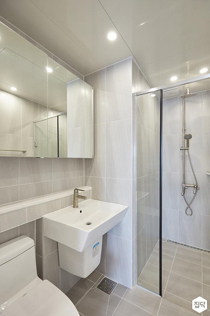 그레이,모던,심플,욕실,포세린,매립등,다운라이트조명,수납장,세면대,샤워기,거울