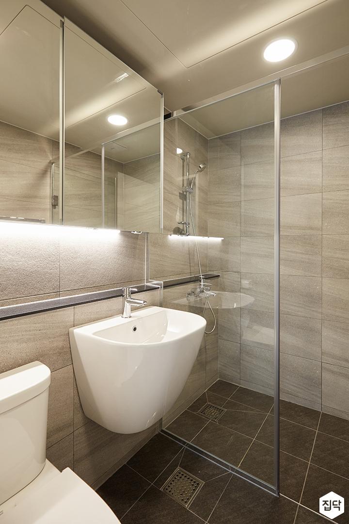 그레이,모던,심플,욕실,원형직부등,간접조명,세면대,수납장,거울,유리파티션