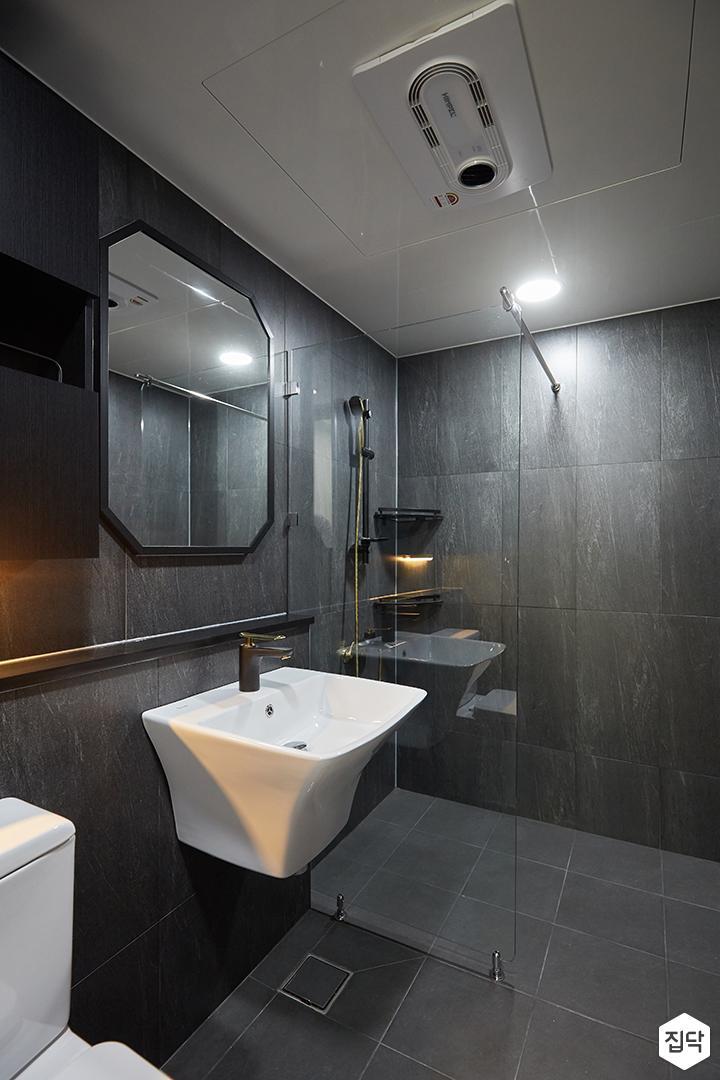 그레이,블랙,모던,심플,욕실,원형직부등,수납장,유리파티션,세면대,샤워기,거울