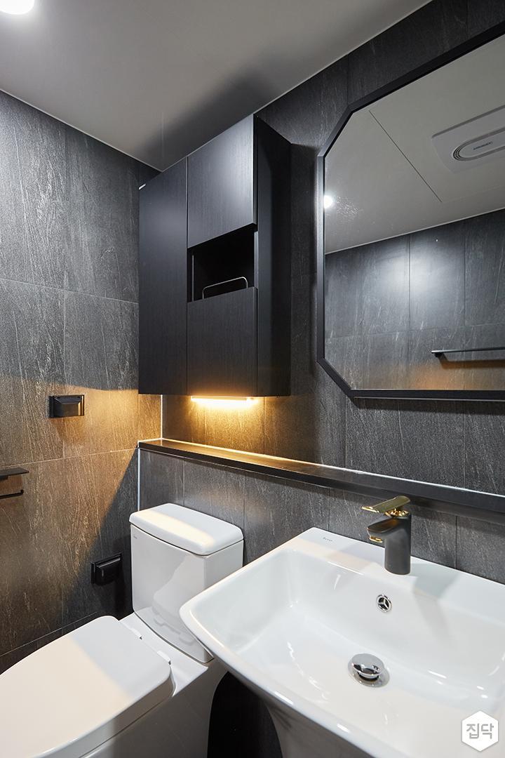 그레이,블랙,모던,심플,욕실,간접조명,수납장,세면대,거울