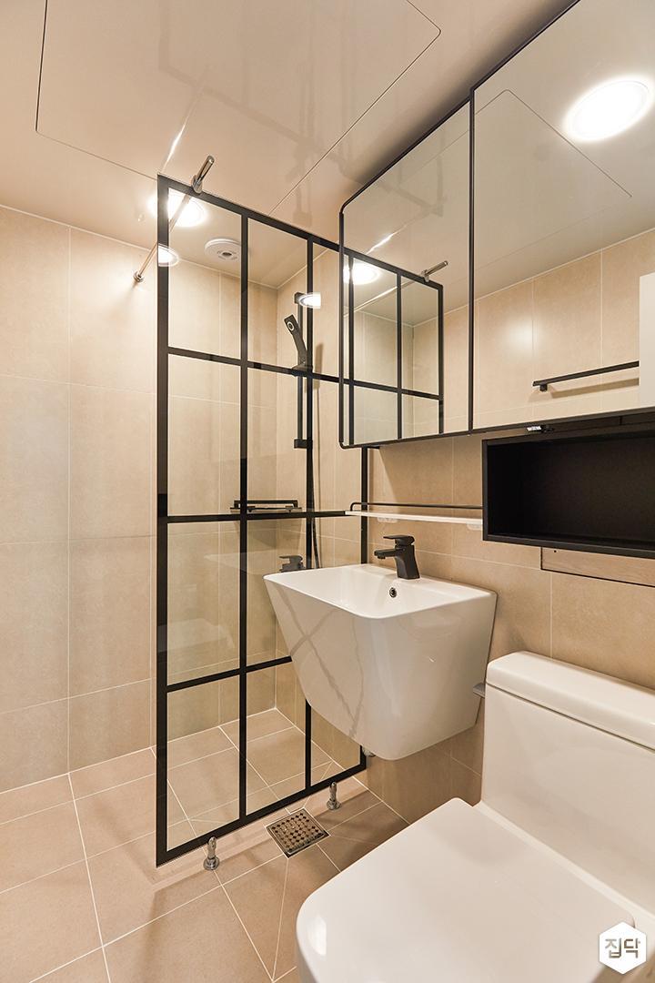 블랙,아이보리,모던,욕실,포세린,수납장,유리파티션,세면대,거울