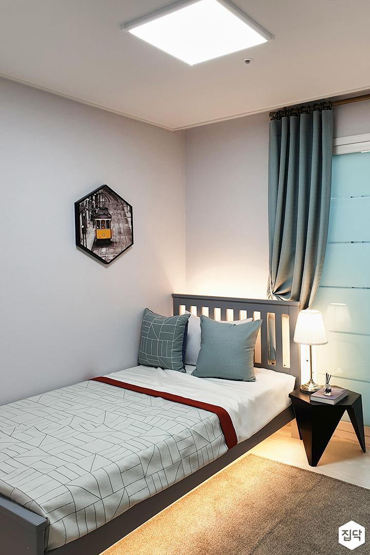 화이트,그린,모던,심플,방,실링라이트,침대