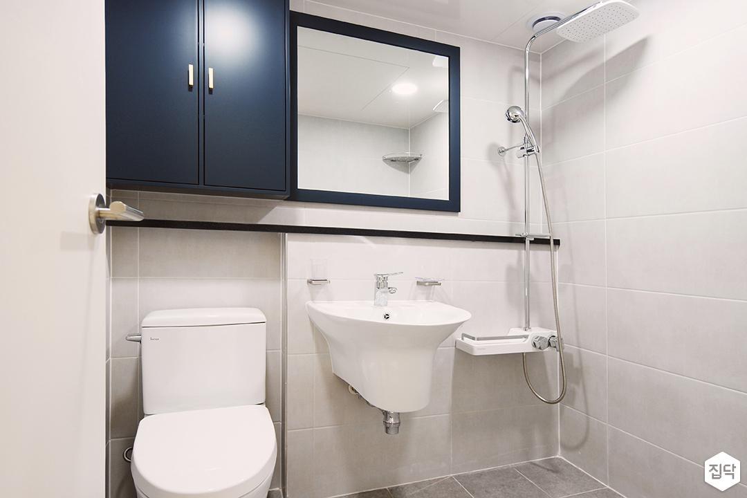 화이트,블루,모던,심플,욕실,세면대,수납장,거울,샤워기