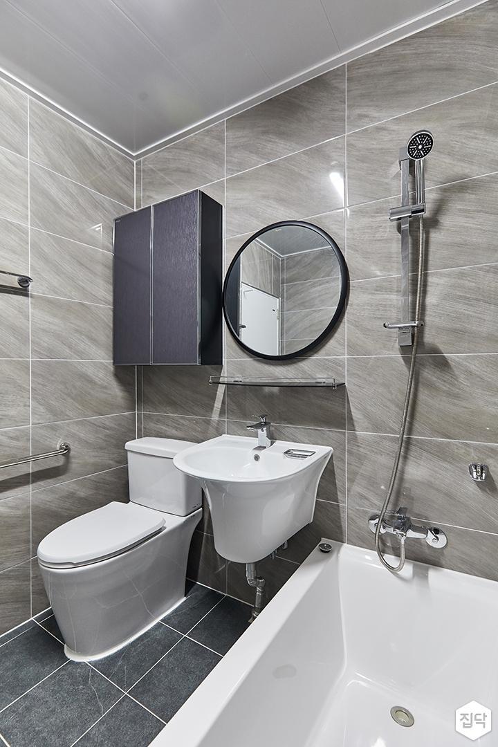 브라운,화이트,미니멀,심플,욕실,포세린,폴리싱,수납장,세면대,욕조,거울