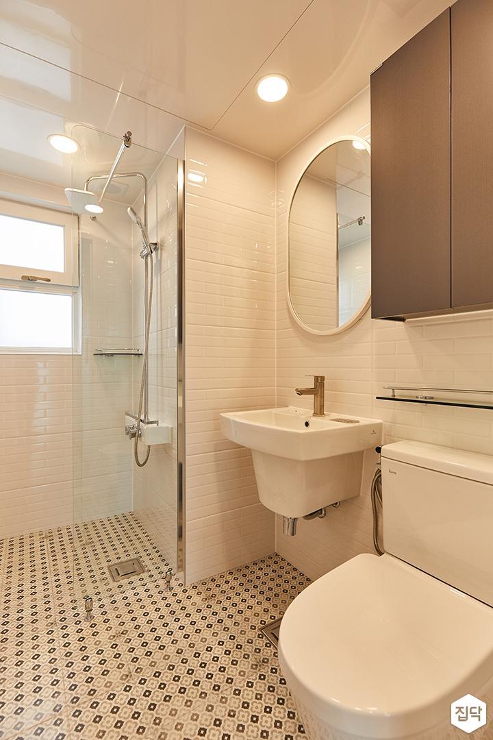 화이트,모던,내추럴,욕실,유리파티션,세면대,수납장,거울