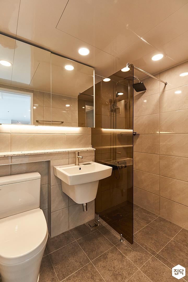화이트,그레이,모던,욕실,간접조명,유리파티션,세면대,거울,수납장