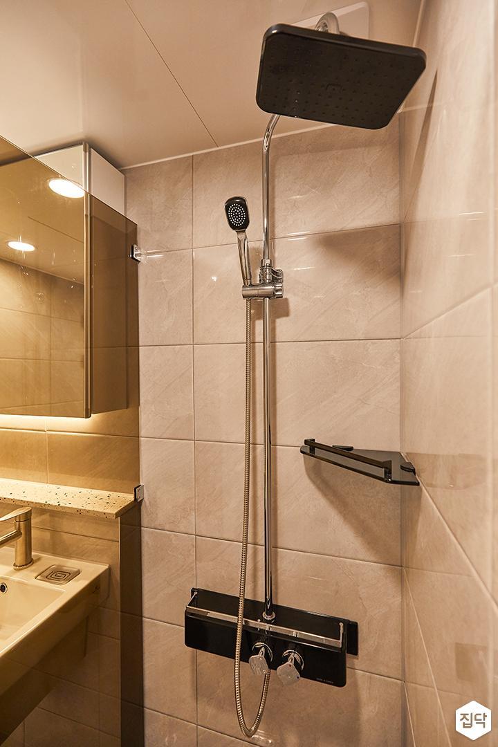 화이트,그레이,모던,욕실,유리파티션,샤워기