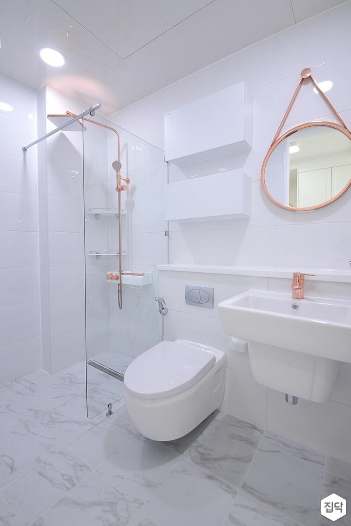 화이트,내추럴,심플,욕실,세면대,거울,수납장,유리파티션,샤워기