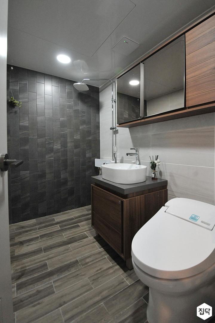 그레이,브라운,모던,심플,욕실,원형직부등,세면대,수납장,거울,샤워기