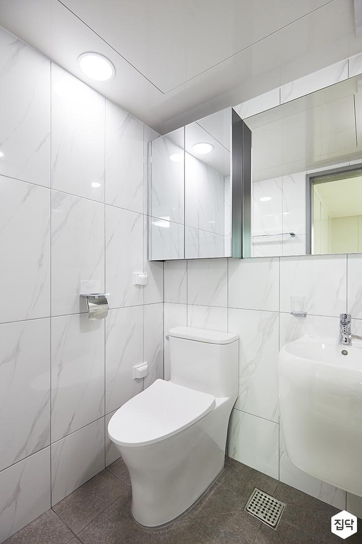 화이트,모던,심플,욕실,패턴타일,원형직부등,비앙코카라라,세면대,수납장,거울