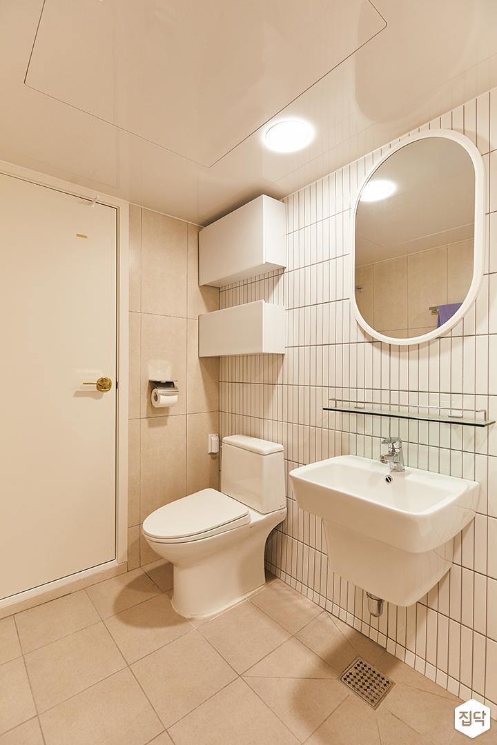 화이트,아이보리,모던,욕실,욕실타일,포세린,세면대,수납장,거울