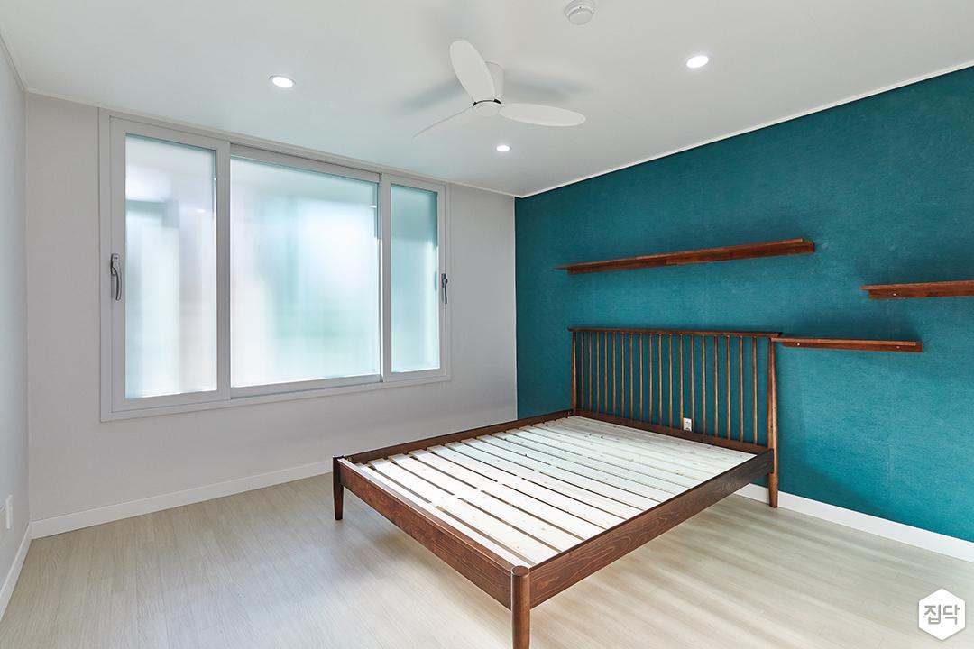 화이트,블루,모던,침실,안방,매립등,실링팬,선반